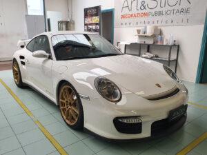 Applicazione protettivo ultratrasparente cofano Porsche 911 GT2 CS protezione sassi graffi