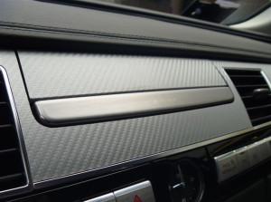 Audi A8 - wrapping parziale in argento carbonio radiche interni