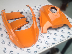 BMW R1200 GS wrappata in arancione luminoso lucido 3M 1080