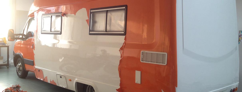 Camper Iveco - rimozione wrapping e applicazione nuove grafiche