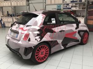 Car wrapping Abarth 500 con pellicola stampata effetto camouflage