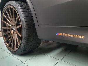 Car wrapping vetri oscurati fari loghi logo BMW X5