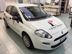 Decorazione Fiat Punto aziendale con adesivi prespaziati yoshimura