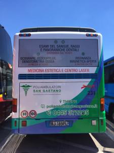 Decorazione-autobus-SVT-FTV-Cartel-pubblicita poliambulatorio san gaetano