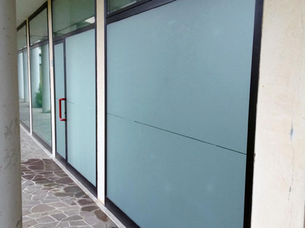 Decorazione esterno negozio parrucchiera art stick - Decori per finestre esterne ...