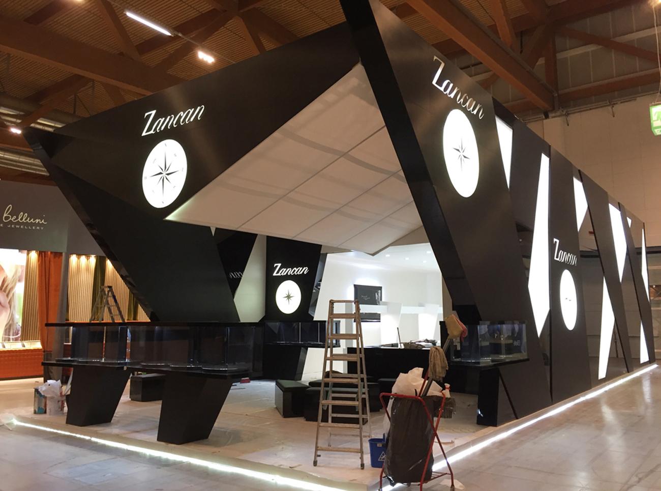 Decorazione pannelli per stand fieristico con pellicola - Pellicola adesiva colorata per mobili ...