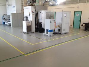 Decorazione pavimenti con segnaletica orizzontale e vetri a controllo solare