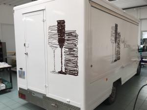 Decorazione truckfood con adesivi prespaziati la cucina