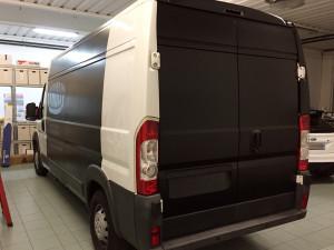 Fiat Ducato - wrapping completo nero opaco e scritte in prespaziato tyrolit