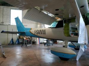 Personalizzazione aereo adesivi prespaziati car wrapping