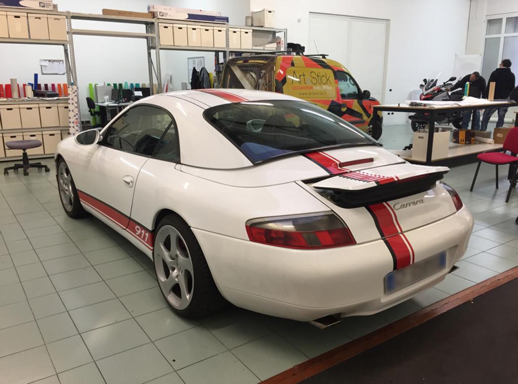 Porsche 911 personalizzata con fasce adesive verona