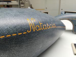 Suzuki Intruder personalizzata con pellicola wrapping effetto jeans