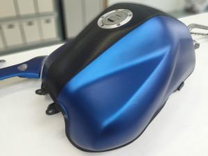 Yamaha FZ6 Fazer wrapping pellicola blu metallizzato opaco e nero carbonio