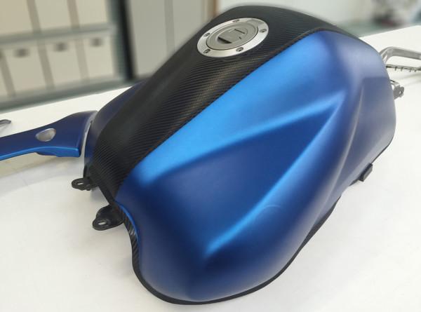 Yamaha-FZ6-Fazer-wrapping-pellicola-blu-metallizzato-opaco-e-nero-carbonio-1