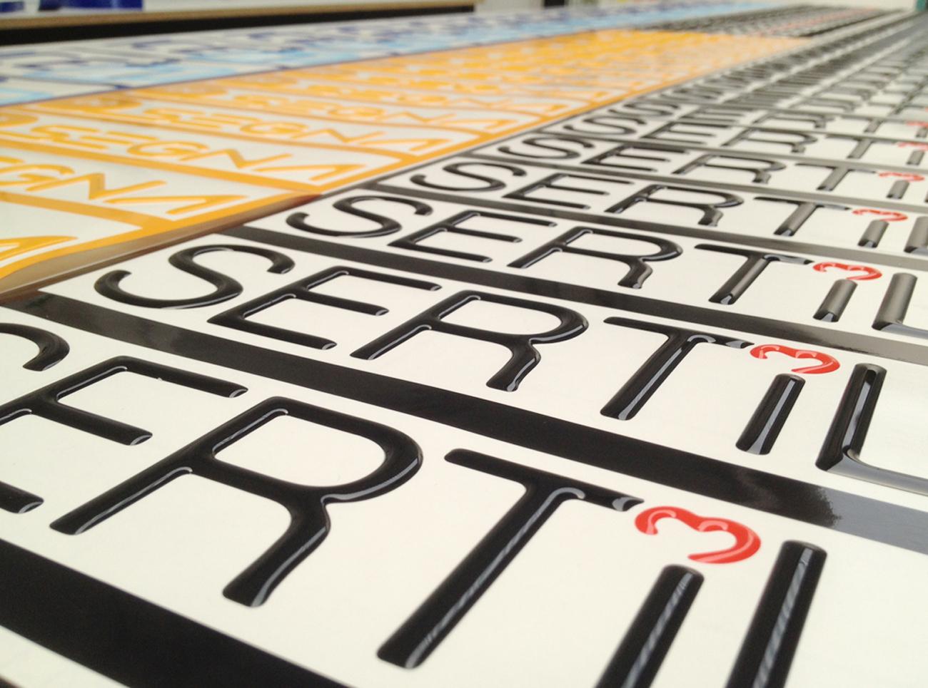 Etichette adesive resinate 3d in rilievo art stick for Adesivi computer