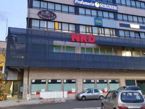 allestimento-negozio-nkd-terni decorazione adesivi insegne