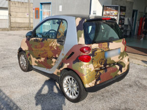 car wrapping smart fortwo camouflage mimetico cosmopolitan
