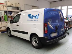 decorazione furgone aziendale adesivi prespaziati wrapping mavel
