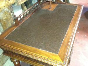 restauro mobile antico decorazione effetto pelle old leather